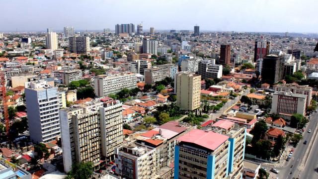 Angola: BFA melhora previsão de recessão económica para 2,5% em 2018