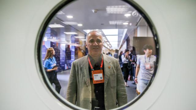 "Garry Kasparov alerta para ""indústria massiva de 'fake news'"" de Putin"