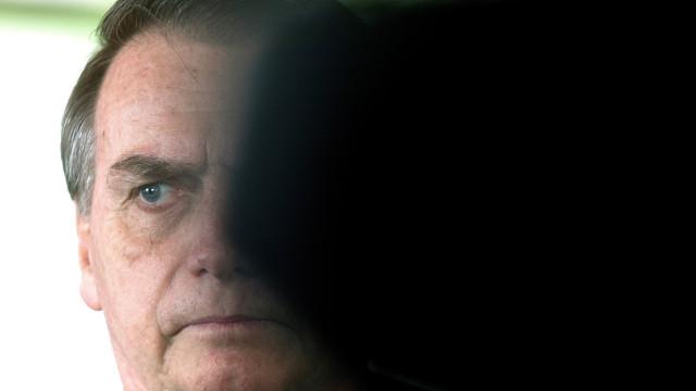 """Bolsonaro defende medidas """"amargas"""" para evitar crise como a grega"""