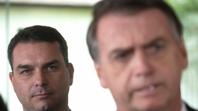 Filho de Bolsonaro não comparece para prestar depoimento