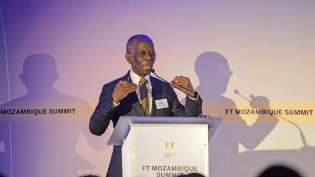 Governo moçambicano mantém restrições na contratação de trabalhadores