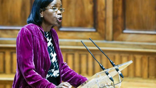 Greve de funcionários judiciais coincide hoje com audição de ministra