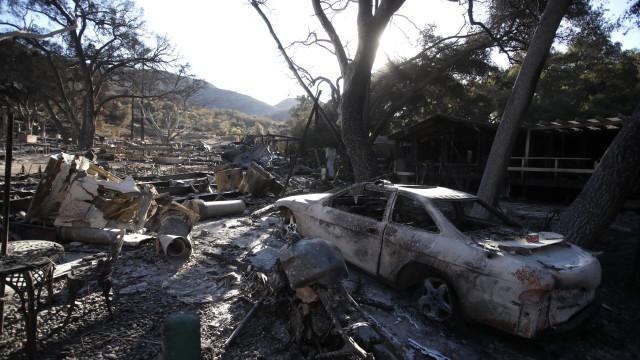 Pelo menos 63 mortos e 631 desaparecidos no incêndio na Califórnia