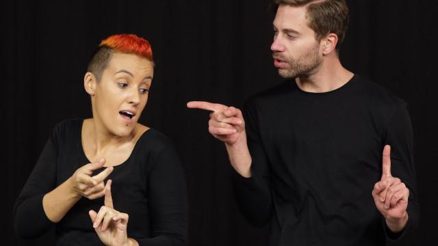 De Ed Sheeran a Ana Moura, artistas criam videoclipes em língua gestual