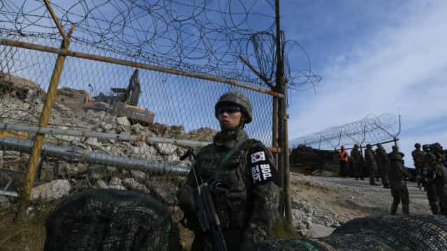 Coreia do Norte destruiu parte dos seus postos fronteiriços