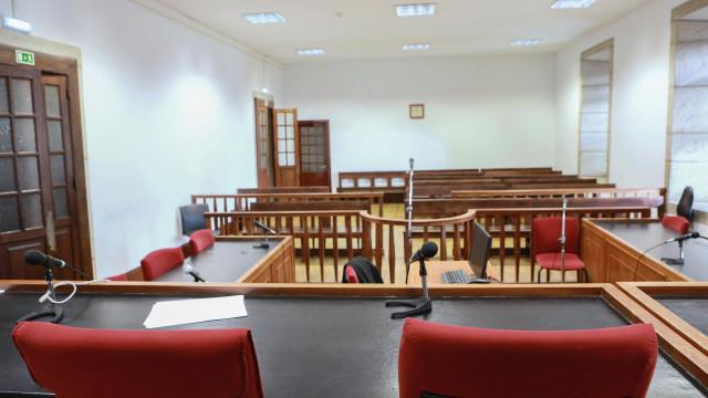 Juízes cumprem hoje terceiro dia de greve
