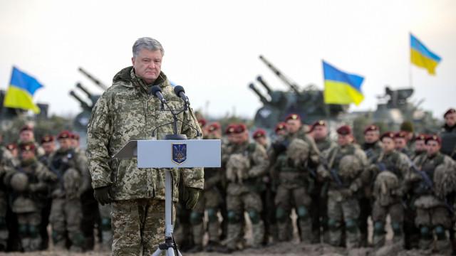 Moscovo reforçou drasticamente presença militar na fronteira ucraniana