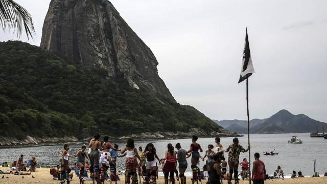 Mais de 15 milhões de pessoas viviam abaixo da linha da pobreza no Brasil