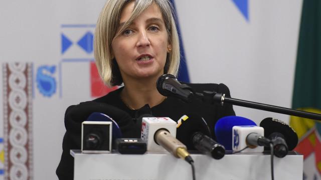 Ministra admite recorrer a privados para realizar cirurgias adiadas