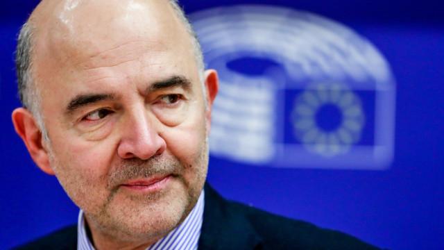 Moscovici saúda vontade de cooperação de Itália, mas quer compromissos