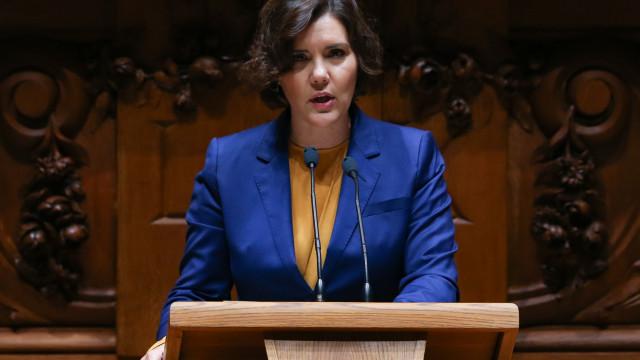 """CDS alerta que situação do pais """"é pior que no tempo da troika"""""""