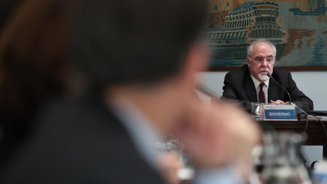 Governo vai reavaliar regime de pensões antecipadas no prazo de 5 anos
