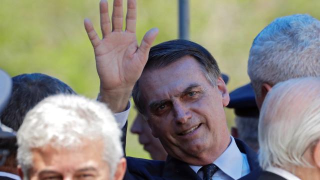 "Bolsonaro admite afastar futuro ministro se existir ""denúncia robusta"""