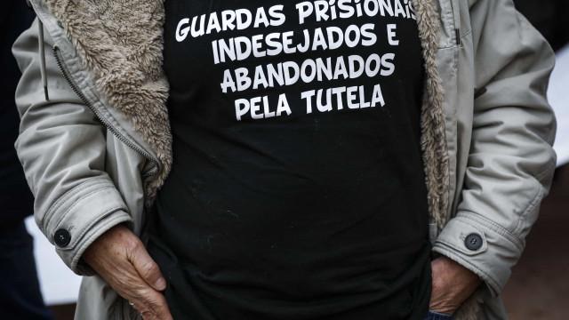 Guardas prisionais iniciam hoje nova greve. Natal com serviços mínimos