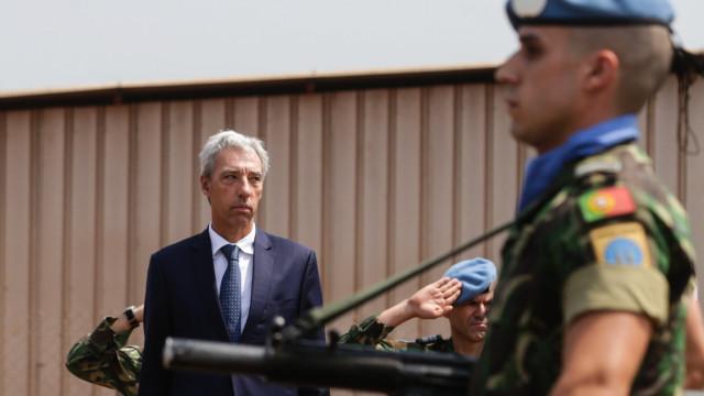 """Ministro quer """"aproximação"""" entre Forças Armadas e sociedade"""