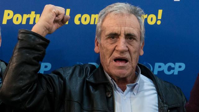 Jerónimo pede votos para impedir que PS imponha as suas políticas