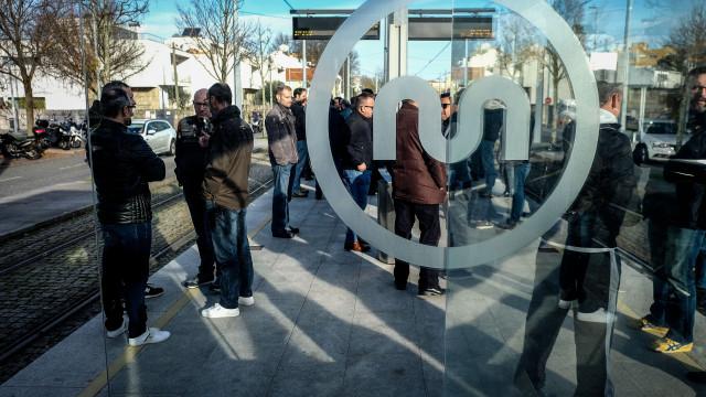 Porto assegura passe gratuito para residentes estudantes até aos 15 anos