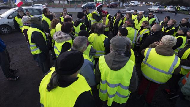 'Coletes amarelos' protestam hoje pelo quinto sábado consecutivo