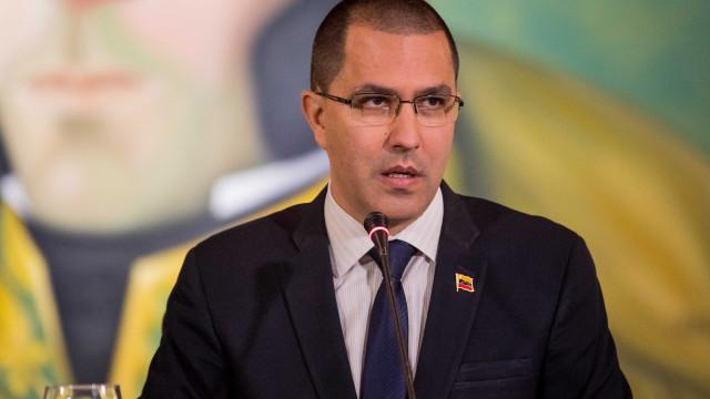 Venezuela diz que Brasil convidou Maduro para tomada de posse