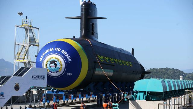Programa de submarinos é apenas para defesa da soberania, diz Bolsonaro