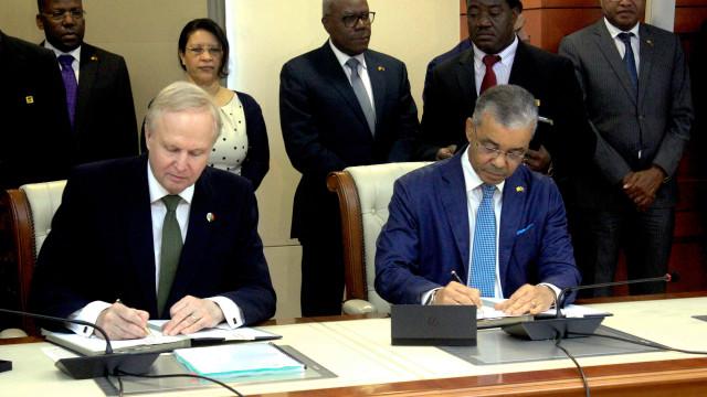 Sonangol e BP assinam acordo para extensão de exploração em novos campos