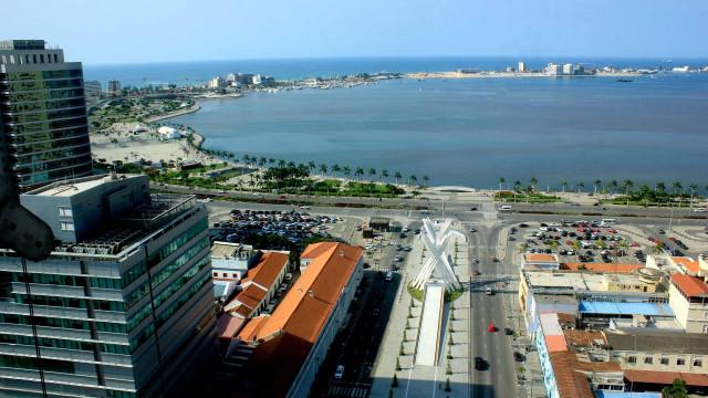 """""""Do Lixo ao Luxo"""" com arte para sobreviver em Angola"""