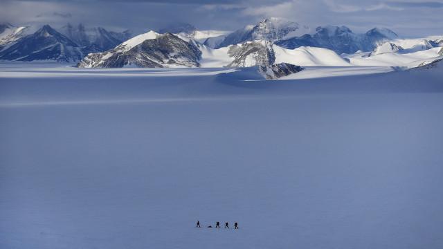 Experiências para arrefecer Terra e expedições à Antártida marcarão o ano