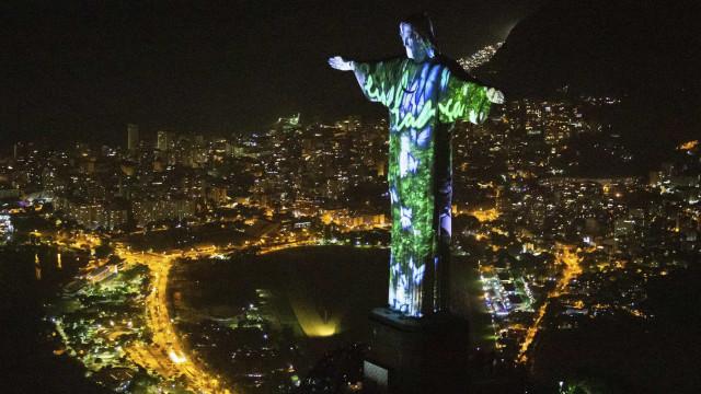 """Rio mostra """"mazelas"""" urbanas como capital mundial da arquitetura"""