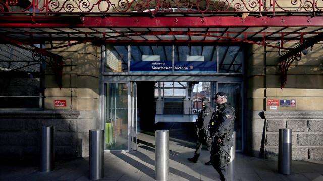 Polícia trata como terrorista o ataque na estação de Manchester