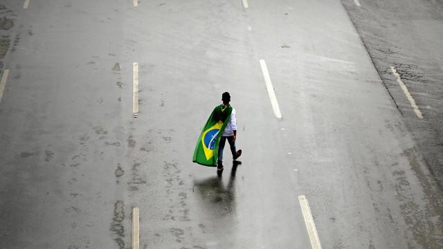 Brasil com défice de 970 milhões nas contas externas de fevereiro