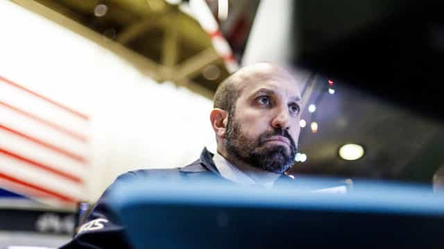 Wall Street fecha em alta