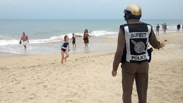 Turistas retidos nas ilhas na Tailândia devido a tempestade tropical