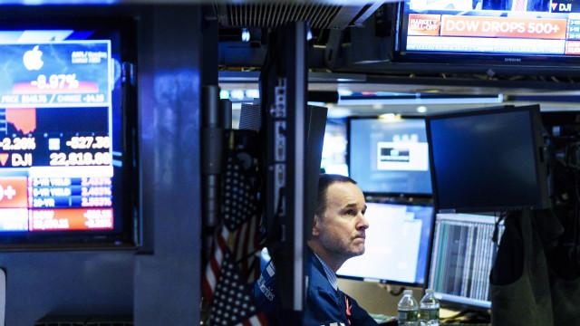 Wall Street fecha em baixa ligeira ao fim de cinco sessões a subir
