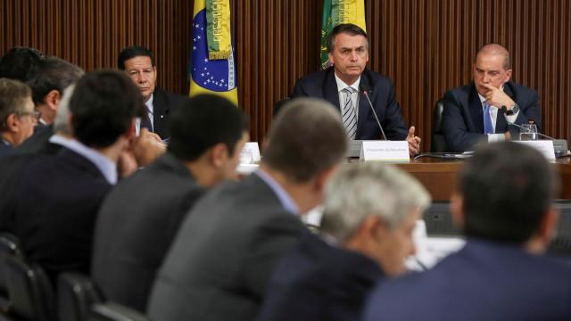 Bolsonaro quer privatizar ou fechar cerca de cem empresas públicas