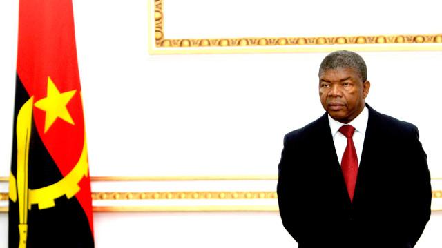 """Presidente apela a empresários para investirem """"sem medo"""" em Angola"""