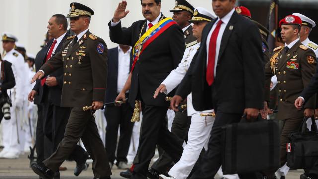 """Parlamento venezuelano declara """"usurpação"""" presidencial"""