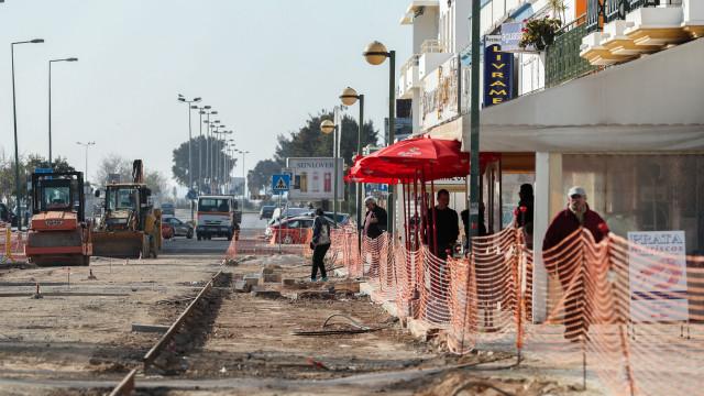 Olhão: Comerciantes afirmam ter prejuízos com obras na frente ribeirinha
