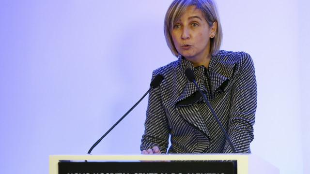 """Ministra avisa que há """"linhas vermelhas"""" nas negociações com enfermeiros"""