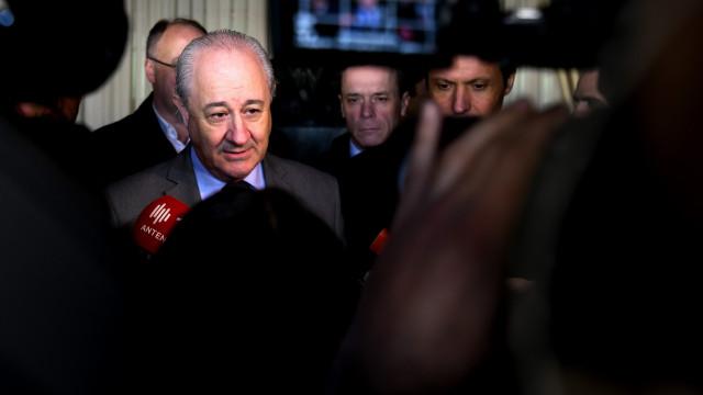 """Moção de confiança aprovada. Rio espera que PSD """"reme"""" no mesmo sentido"""