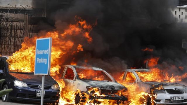 Polícia do Quénia refere 15 mortos em ataque a complexo em Nairobi
