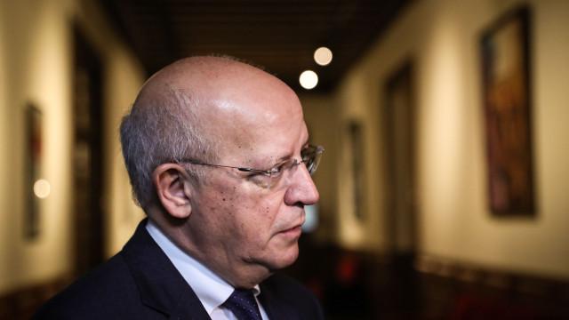 """Face à instabilidade na Venezuela, Governo lembra """"habituais cuidados"""""""