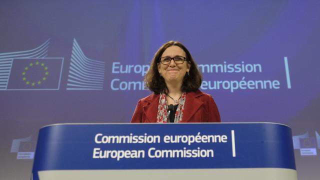 Bruxelas propõe aos EUA eliminação de tarifas sobre produtos industriais