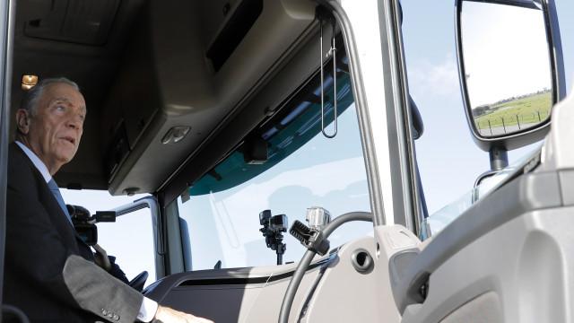 Marcelo, camionista por um dia, viaja até ao Porto para cumprir promessa