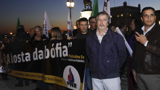 Apoiantes do PNR manifestaram-se em solidariedade com forças de segurança
