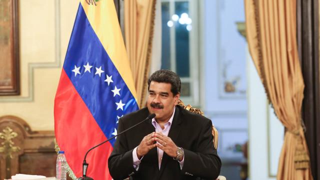 Maduro anuncia recolha de assinaturas para exigir fim de ameaças dos EUA