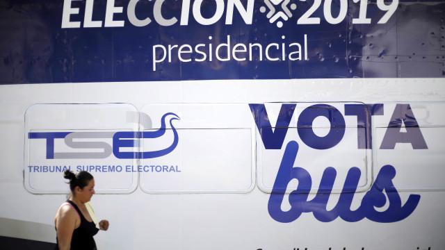 Entre violência dos bandos e pobreza, El Salvador elege novo presidente