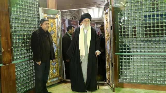 Irão decreta amnistia em massa em honra do 40.º aniversário da revolução