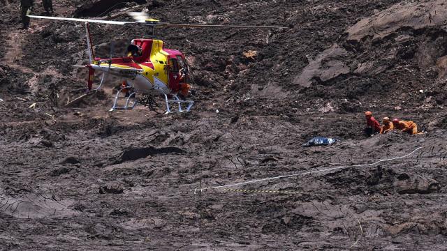 Número de mortos em desastre de barragem em Brumadinho sobe para 142