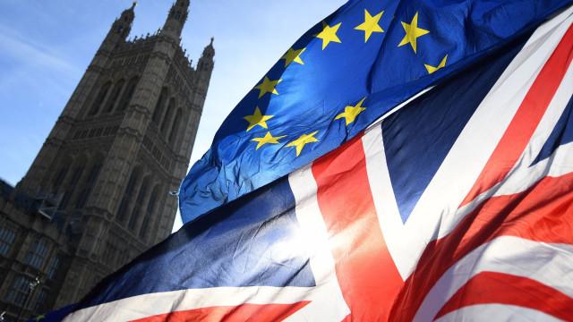 May hoje em Bruxelas com missão 'impossível' de renegociar o 'backstop'
