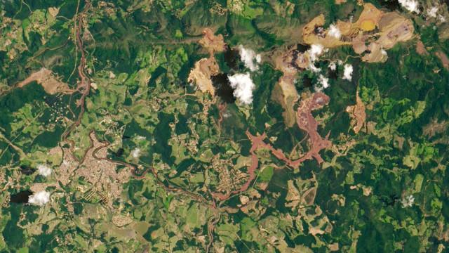 Empresa de barragem que rompeu no Brasil anuncia evacuação de aldeia